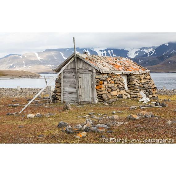 """Bok """"Svalbardhytter"""""""